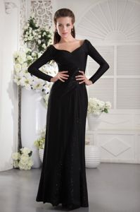 Black V-neck Ruched Gowns For Military Ball with Long Sleeves
