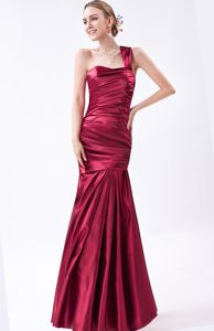 One Shoulder Ruched Mermaid Wine Red Dresses for Military Balls