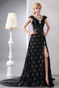 Black V-neck Lace Beading Formal Dresses Attached Chapel Train