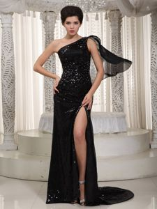 Black One Shoulder Sequined Formal Dresses Attached Watteau Train